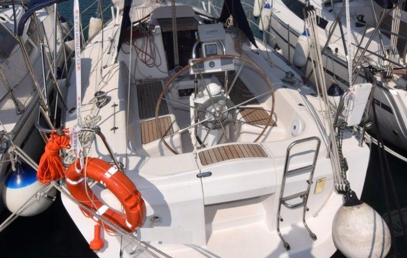 Elan 333 (2002г.) со стационарным двигателем Yanmar 28 л.с за 35 000 евро!