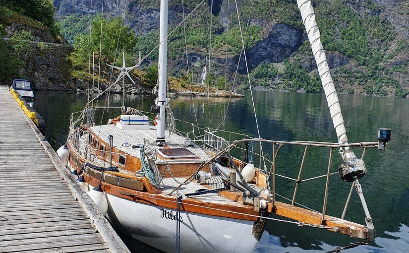 Collin Archer 39'3 Hilde со стационарным двигателем 30 л.с. в Норвегии за 8900 евро.